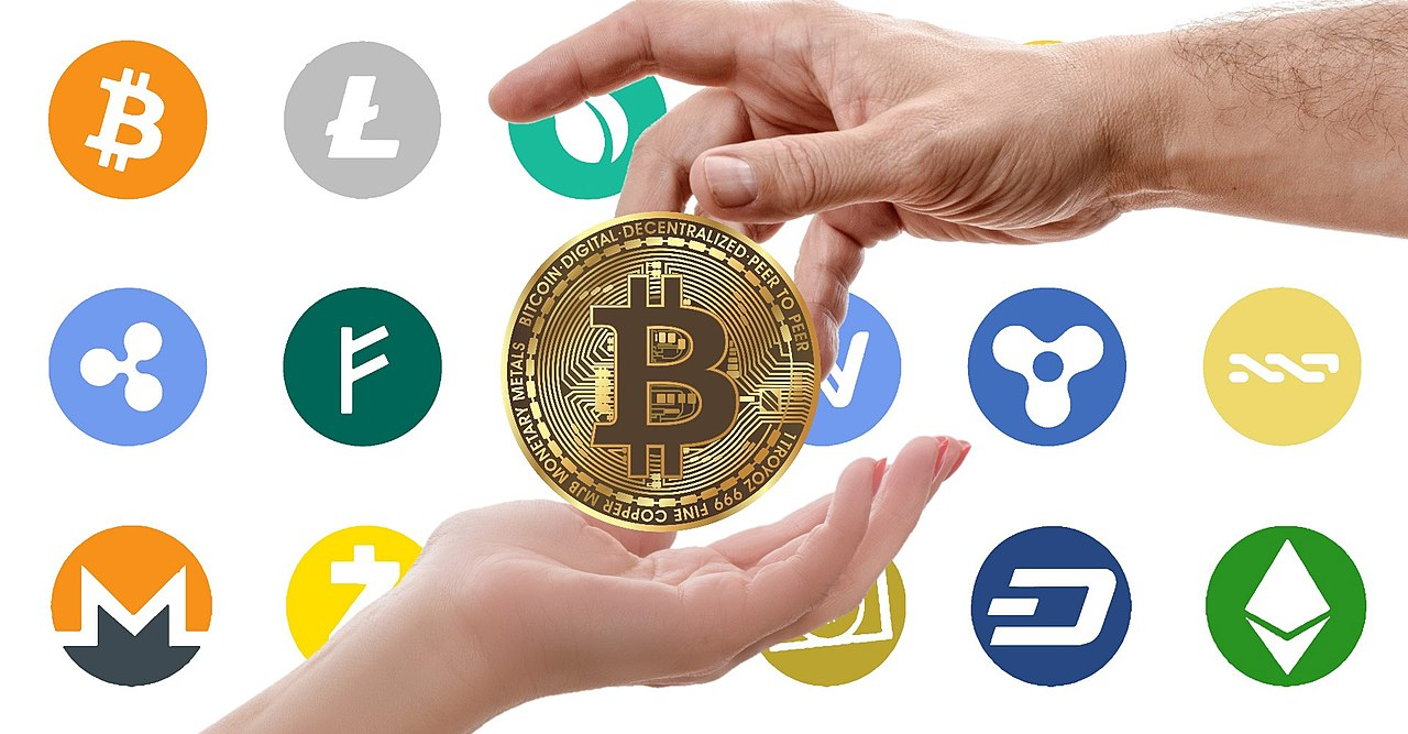 1280px-Cryptocurrency_logos
